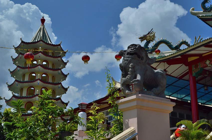 Cebu Taoist Temple: гадание на дощечках, тигры, драконы и китайский Беверли Хилз