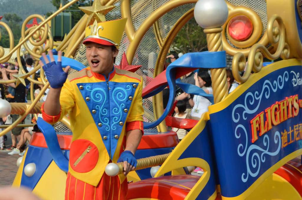 Парад в Диснейленде, Parade in Disneyland